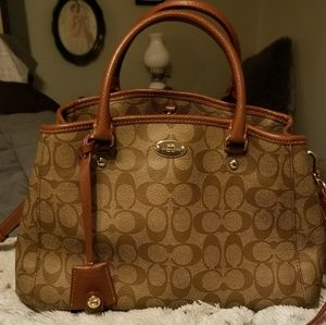 Coach Margot C Signature with cles and strap..